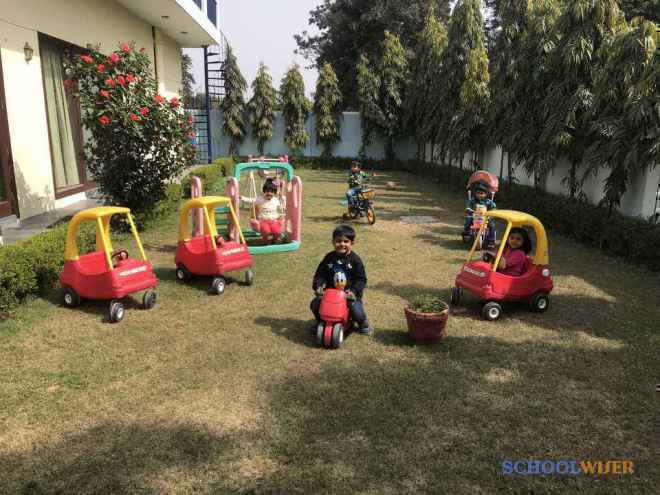 delicate angels Playschool sector 47 malibu town gurgaon outdoor playarea