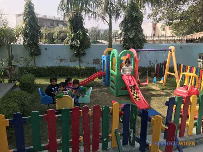 delicate angels Playschool sector 47 malibu town gurgaon outdoor swings