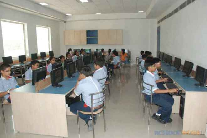 gd goenka public school sector 48 computer room