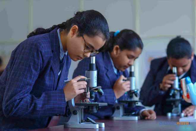shalom presidency school gurgaon school laboratories image sB7Caxn3Uy5lmwQ