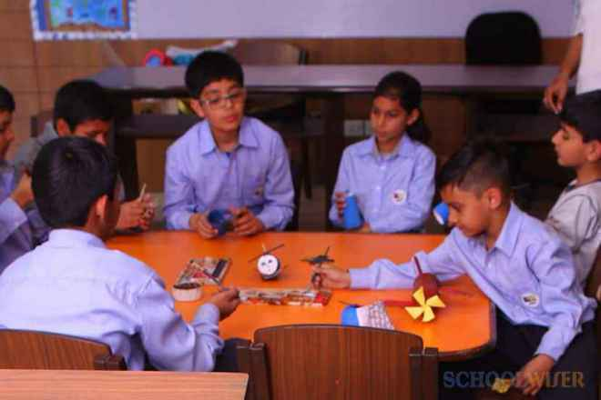 the paras world school india gurgaon craft room