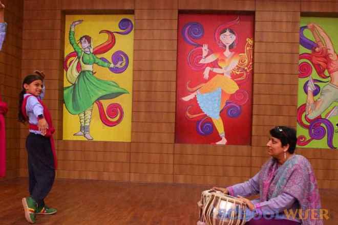 the paras world school india gurgaon dance room