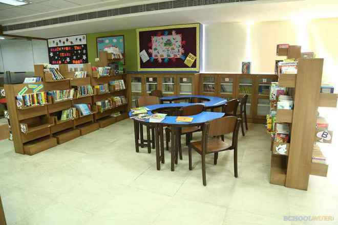 the paras world school india gurgaon library image 3