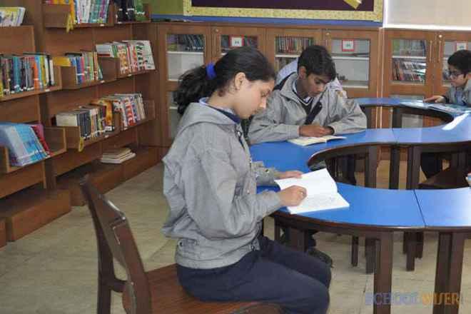 the paras world school india gurgaon teaching room