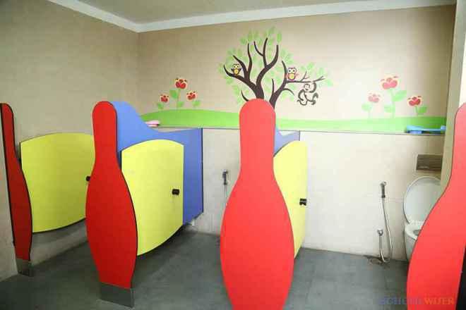the paras world school india gurgaon toilet image 2