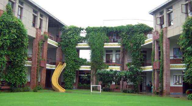 Ranked #4 of Top 10 Schools in Gurgaon: Shikshantar School Gurgaon