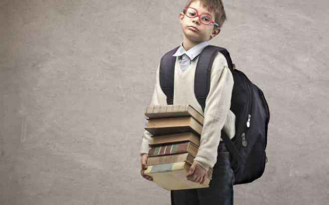 4 Ways To Prevent Spinal Injury Caused By School Bag | SchoolWiser Blog Featured Image