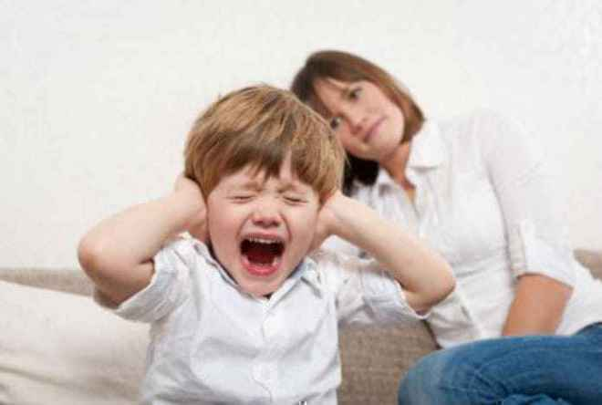 8 Simple Ways To Tame Your Kids Tantrums | SchoolWiser Blog Featured Image